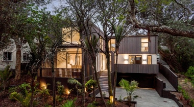 Creative Arch – Highly Commended – 2019 TIDA architecture, backyard, botany, building, cottage, estate, facade, grass, home, house, landscape, plant, property, real estate, residential area, roof, room, siding, tree, window, yard, black