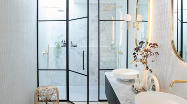 This ensuite design ensures two people can use