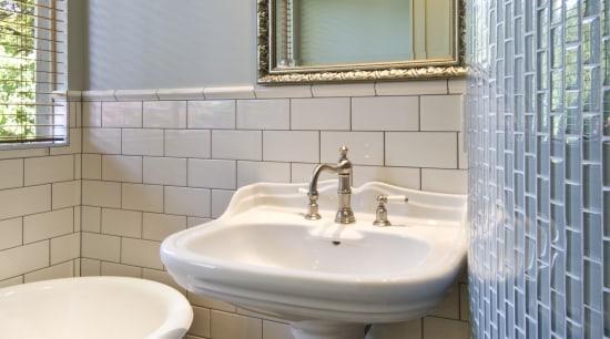 View of traditional-styled basin and mirror, taps, floor bathroom, bathroom accessory, floor, interior design, plumbing fixture, room, sink, tile, gray
