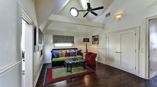 This guest suite in a remodeled Malibu beach ceiling, floor, hardwood, home, house, interior design, living room, property, real estate, room, wood flooring, gray