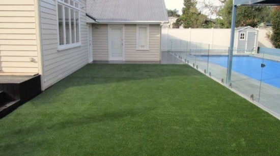 Mc Cahill relay 5 - architecture | artificial architecture, artificial turf, backyard, courtyard, fence, flooring, garden, grass, home, house, land lot, landscape, landscaping, lawn, plant, property, real estate, residential area, roof, siding, walkway, yard, green, gray
