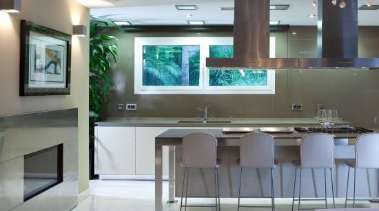 Silestone color Unsui revestimiento countertop, interior design, kitchen, room, gray