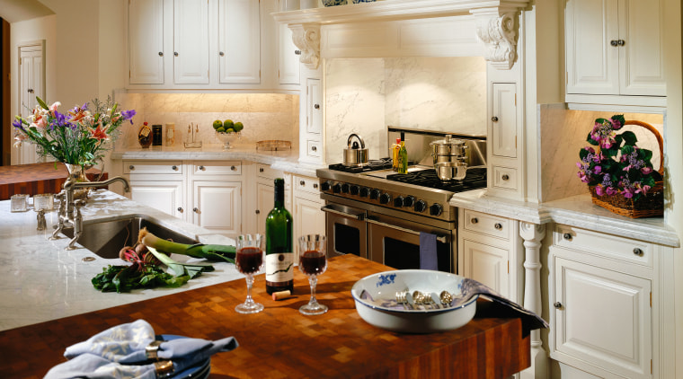 View of a kitchen, wooden cabinetry, white granite cabinetry, countertop, cuisine classique, home, interior design, kitchen, living room, room, brown, gray