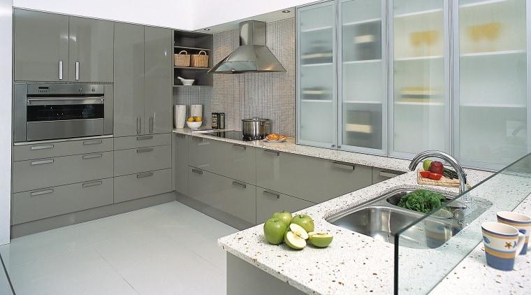 A view of an overall kitchen, white stone countertop, cuisine classique, interior design, kitchen, gray, white