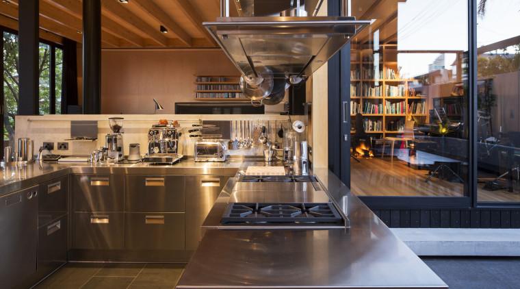 This new Arclinea kitchen has a U shape, countertop, cuisine classique, interior design, kitchen, brown