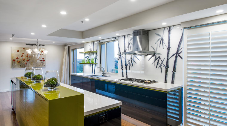 The reflective cabinetry surfaces and full-height glass splashback countertop, interior design, kitchen, real estate, room, gray