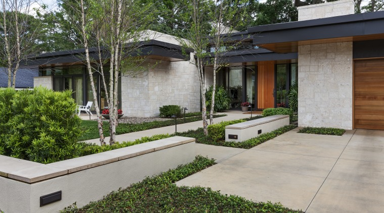 This contemporary lakefront home designed by Charles R architecture, backyard, courtyard, estate, facade, home, house, property, real estate, residential area, yard, gray