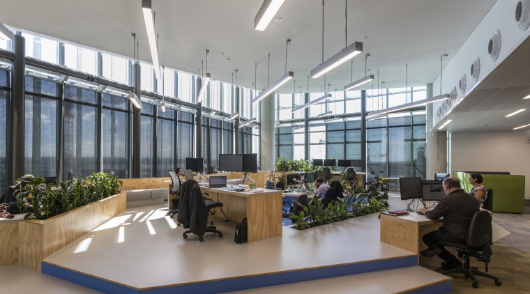 Work areas on four floors in the glazed architecture, daylighting, interior design, lobby, office, gray
