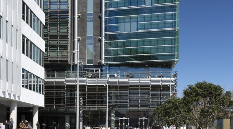 The harbour side of the Fonterra Centre contains apartment, architecture, building, city, commercial building, condominium, corporate headquarters, daytime, facade, headquarters, metropolis, metropolitan area, mixed use, neighbourhood, real estate, residential area, sky, tower block, urban design