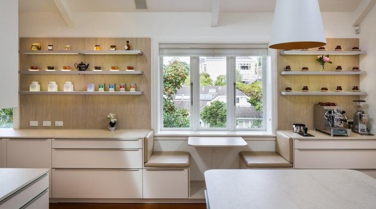 Nz3406Cmdamianhannah–287270673 05 - cabinetry   countertop   cuisine cabinetry, countertop, cuisine classique, interior design, kitchen, gray
