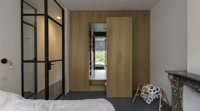 ​​​​​​​Internal glazing at the entrance to this bedroom apartment, architecture, bed, bedroom, furniture, house, interior design, suite, wall, Cantero Design