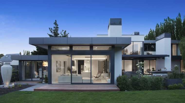 Largely uninterrupted walls of glass ensure optimum connection architecture, design, facade, home, house, interior design, roof, O'Neil Architecture