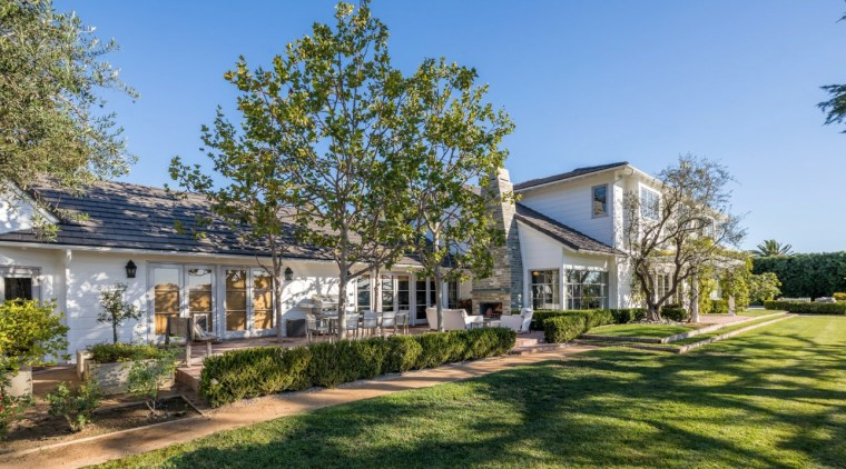 Step inside Jodie Foster's Beverly Hills home architecture, building, cottage, estate, facade, farmhouse, grass, home, house, land lot, landscape, lawn, neighbourhood, plant, property, real estate, residential area, roof, siding, suburb, tree, yard, teal, brown