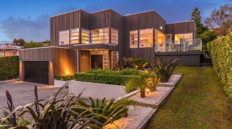 QPC recladded home – Jellicoe road architecture, backyard, building, courtyard, design, eco hotel, estate, facade, grass, home, house, interior design, land lot, landscape, landscaping, lighting, mixed-use, property, real estate, residential area, roof, tree, yard, brown