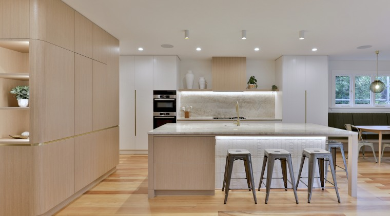 This kitchen offers clean, uncluttered lines – but