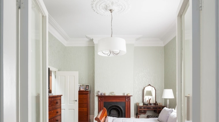 Architect: Day Bukh ArchitectsPhotography by Katherine Lu bedroom, ceiling, estate, home, interior design, molding, property, real estate, room, wall, gray, white