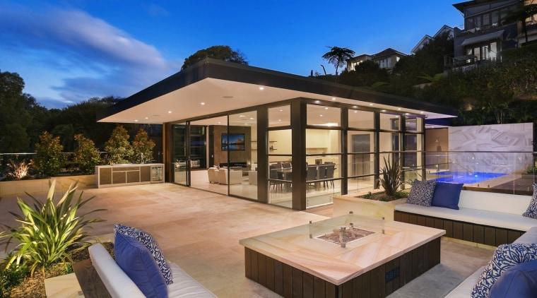 TIDA AU 2017 – Designer new home winner backyard, estate, home, house, property, real estate, resort, swimming pool, villa, blue