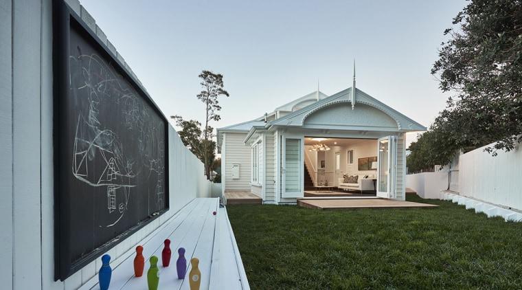 Open sesame – a traditional villa at a architecture, building, facade, home, house, property, real estate, gray