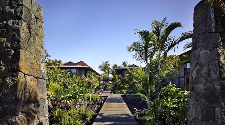 Architect: Olson KundigPhotography by Benjamin Benschneider archaeological site, arecales, estate, hacienda, palm tree, real estate, resort, sky, tree, black, blue