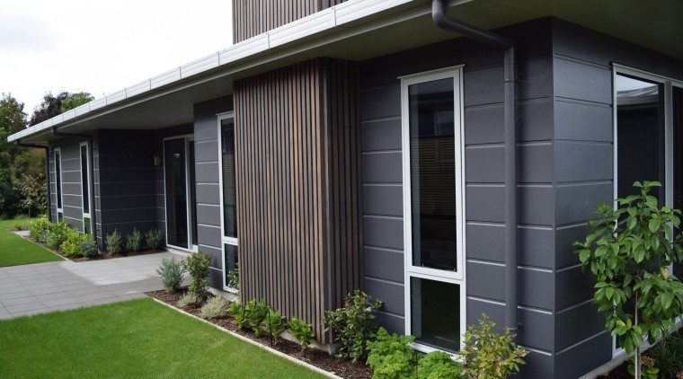 Linea Oblique Weatherboard backyard, facade, grass, home, house, porch, property, real estate, residential area, siding, window, yard, black