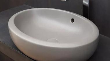 Fluid bathroom sink, ceramic, plumbing fixture, product design, sink, tap, black, gray
