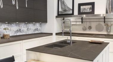 Neolith Pulpis countertop, interior design, kitchen, table, white, gray