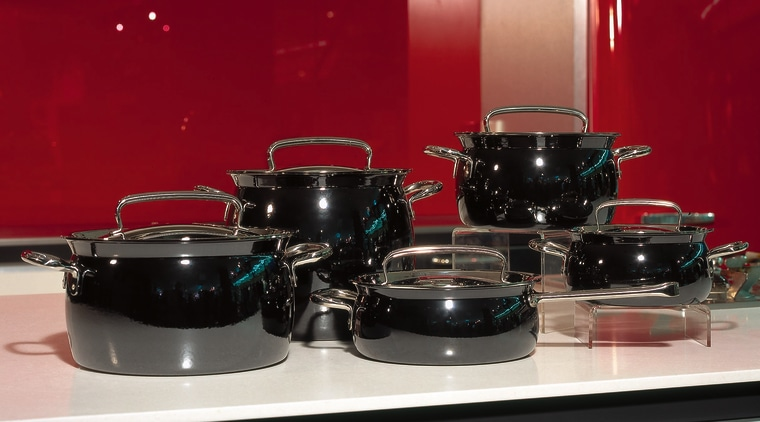 Cookware for a luxury home cookware and bakeware, product, tableware, tom tom drum, red