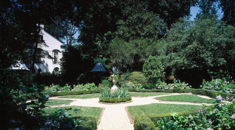 View of a courtyard area, 4 pebbled pathways backyard, biome, botanical garden, estate, garden, grass, landscape, landscaping, lawn, leaf, lighting, nature, outdoor structure, park, plant, shrub, sunlight, tree, walkway, yard, black