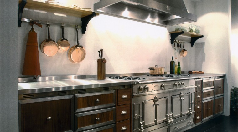 view of this kitchen showing the appearance of cabinetry, countertop, cuisine classique, home appliance, interior design, kitchen, kitchen appliance, kitchen stove, black, gray, white