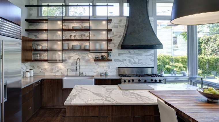 Open shelving, translucent sliding panels, marble surfaces and cabinetry, countertop, cuisine classique, interior design, kitchen, gray
