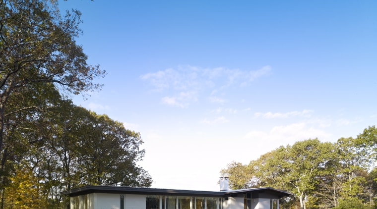 Mid-century Modern remodel by owner-architect Donald Billinkoff – architecture, cloud, cottage, daytime, estate, facade, farm, farmhouse, field, grass, home, house, landscape, lawn, leaf, meadow, nature, plant, property, real estate, residential area, rural area, sky, suburb, sunlight, tree, teal