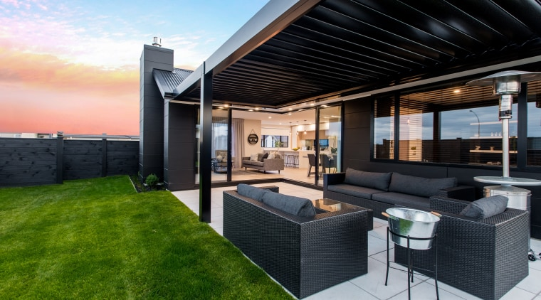 Welcome to a relaxed lifestyle public areas run estate, home, house, interior design, patio, penthouse apartment, property, real estate, roof, black