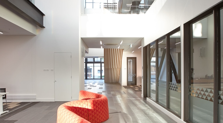 The modern learning environments at Te Ara o architecture, ceiling, daylighting, house, interior design, lobby, real estate, white, gray