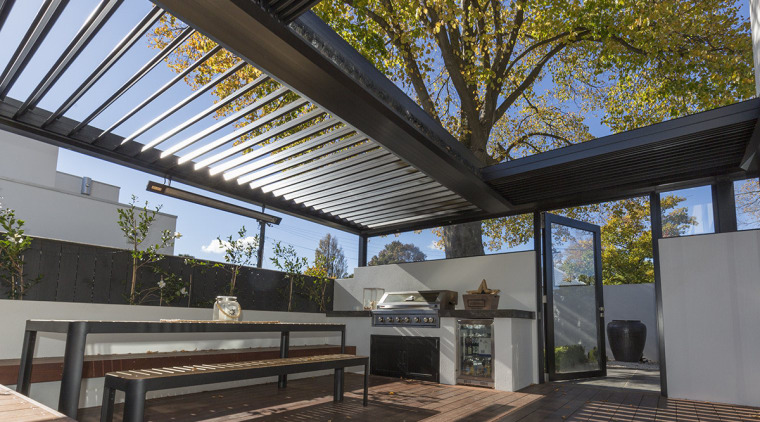 Versatile operable ceiling louvres turn outdoor spaces into daylighting, house, outdoor structure, real estate, roof, black
