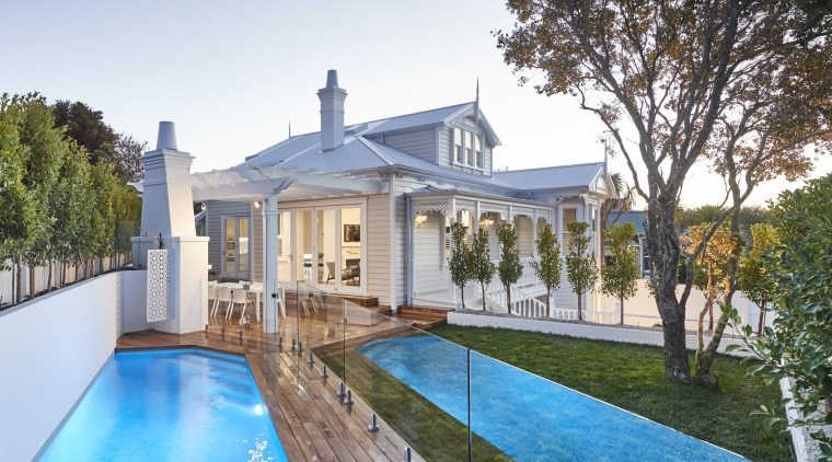 TIDA NZ 2017 – Architect-designed renovation winner – cottage, estate, facade, home, house, mansion, property, real estate, swimming pool, villa, white