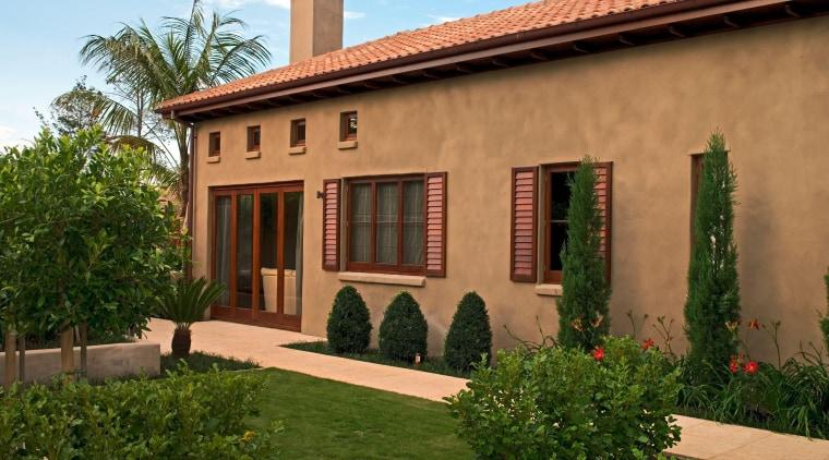 Onetaunga cottage, estate, facade, hacienda, home, house, mansion, property, real estate, villa, window, brown