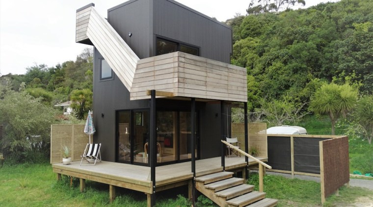 Graham Phipps-Black – Ruby Bay, Nelson house architecture, cottage, house, hut, real estate, green