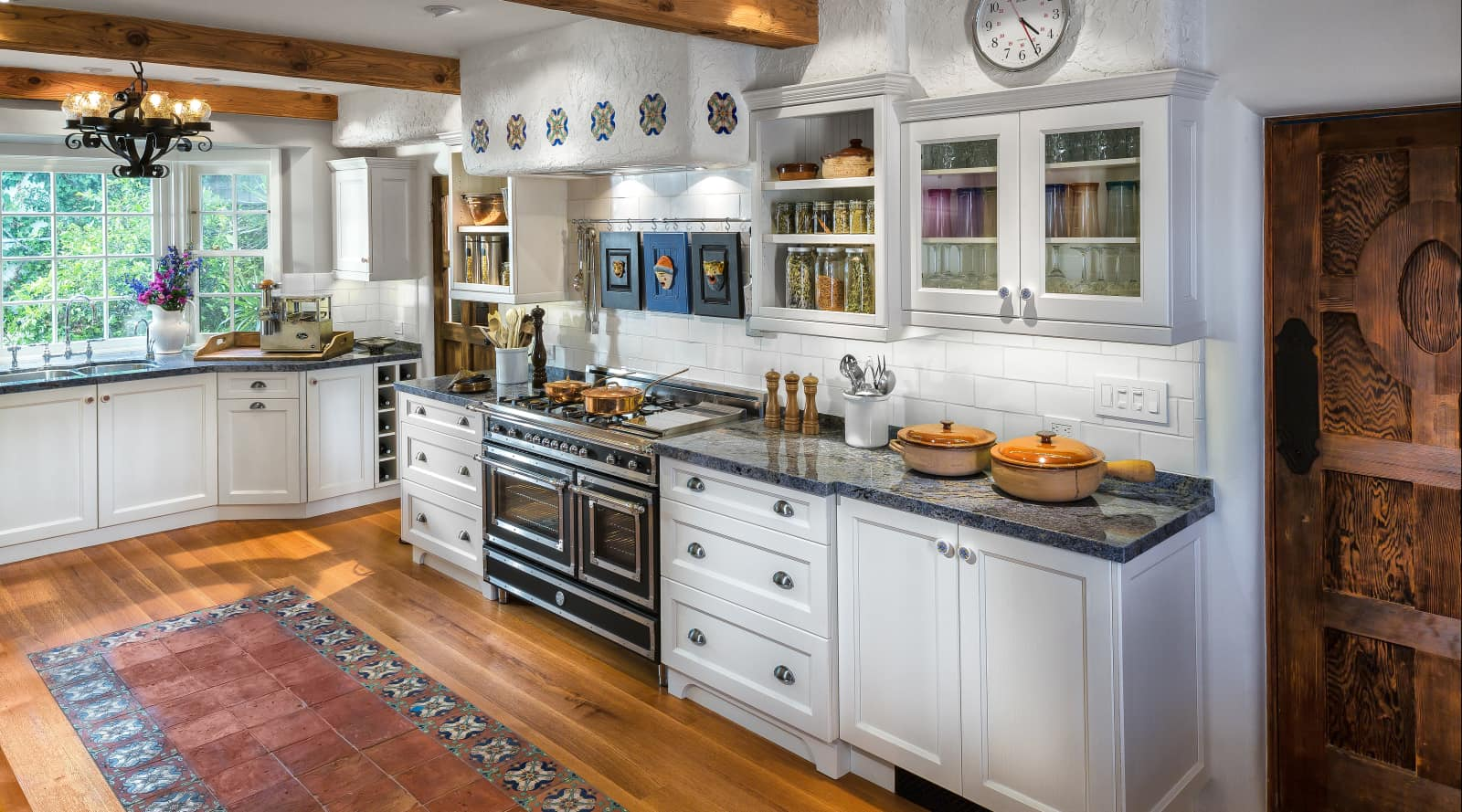 Mediterranean Style Kitchen With Transitional Trends