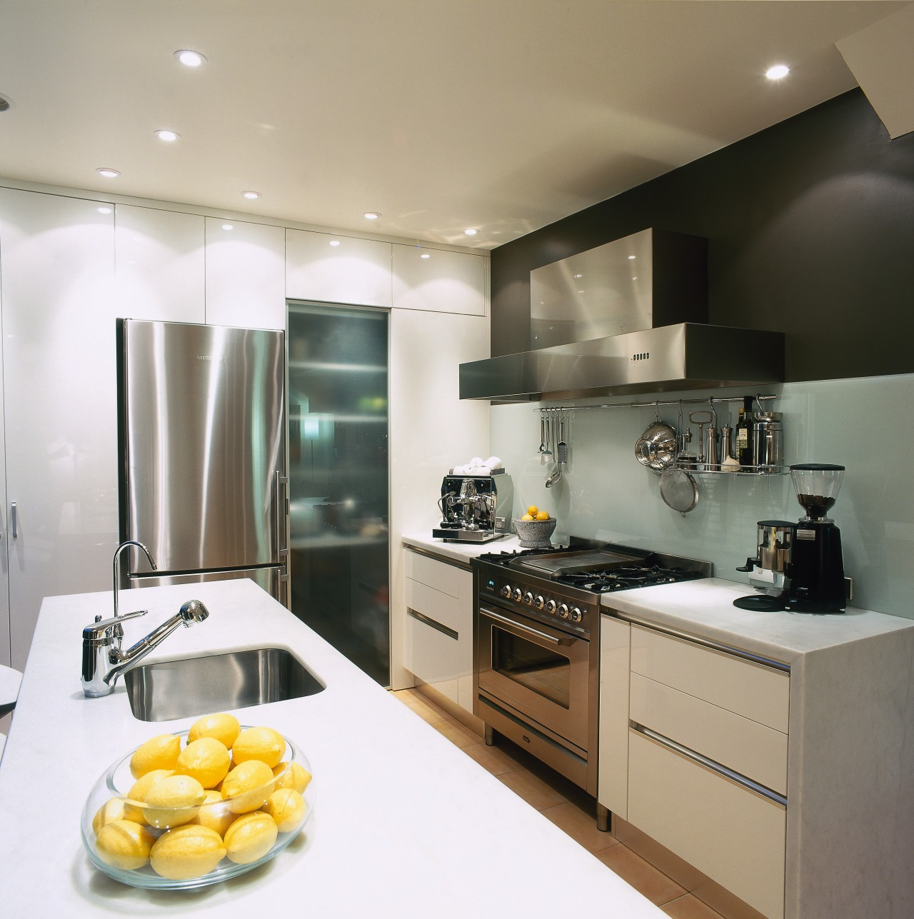 view of the kitchen benchtop and cooking area, countertop, cuisine classique, interior design, kitchen, gray