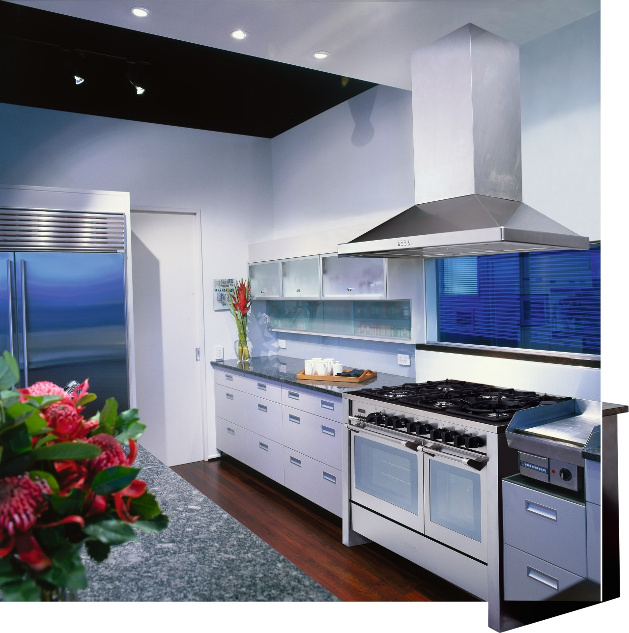 view of the kitchen area showing the five countertop, home appliance, interior design, kitchen, kitchen appliance, kitchen stove, major appliance, gray