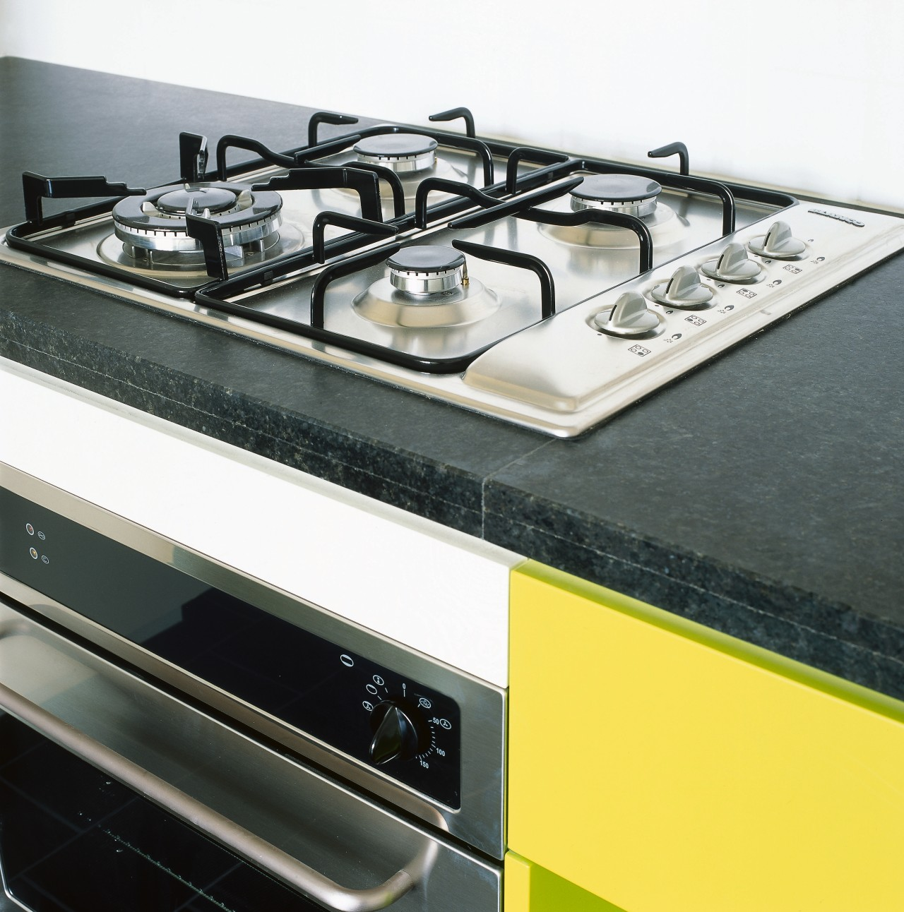 view of the bianco kitchen appliances gas stove, home appliance, kitchen stove, white, black