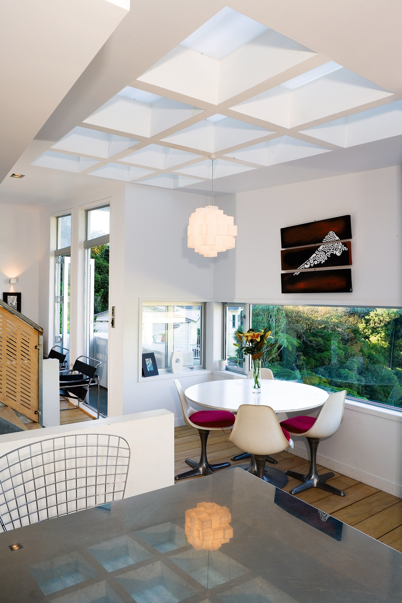 The architect chose a horizontail window strip in architecture, ceiling, daylighting, floor, flooring, home, interior design, living room, room, table, wall, window, white