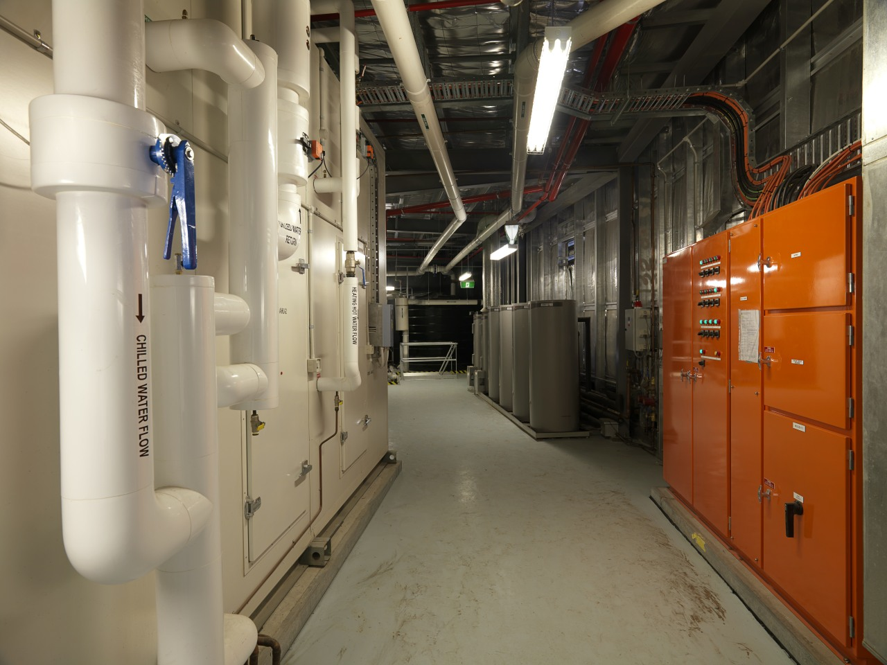 An energy-efficient air conditioning system works by distributing brown