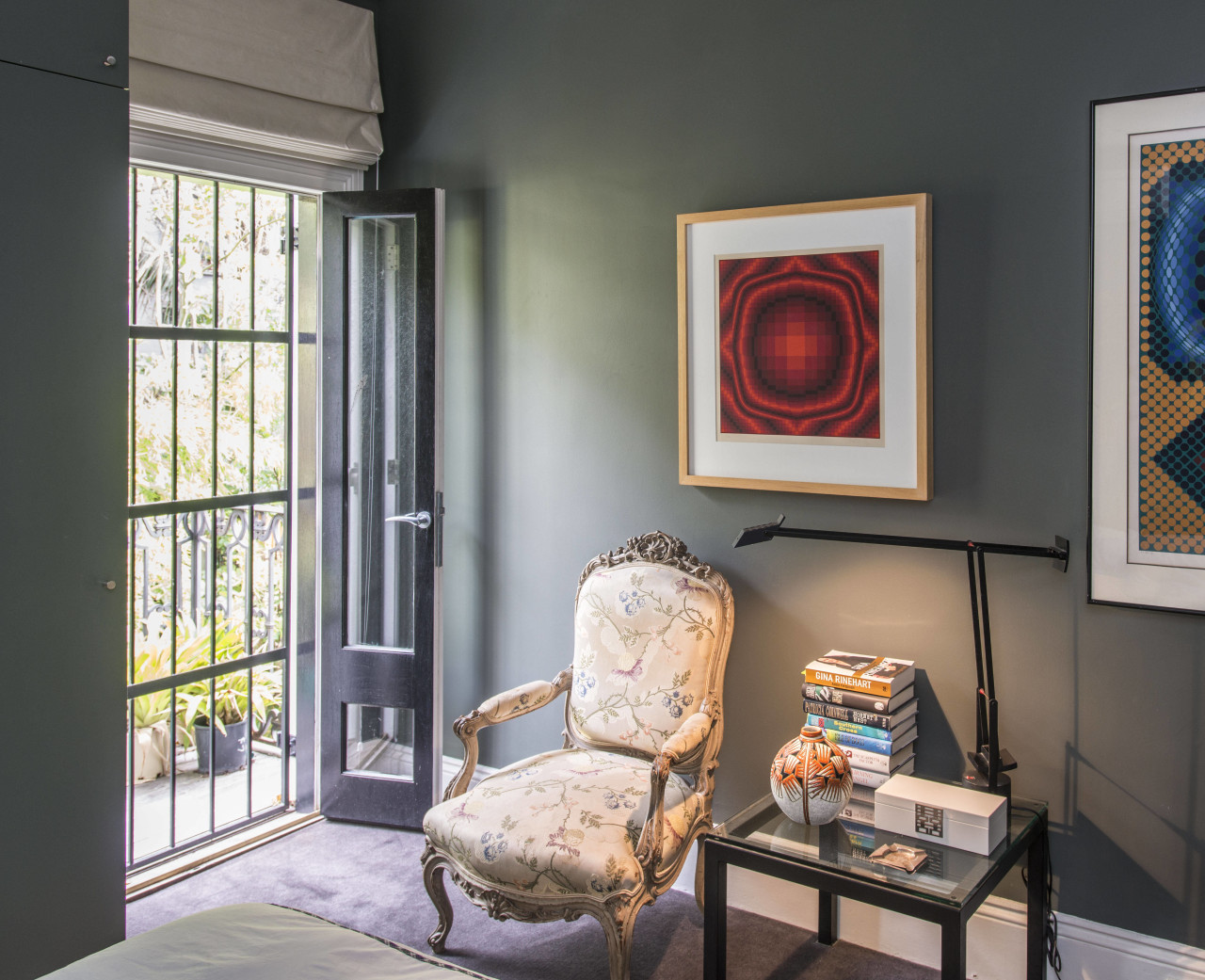 Contrasting shades enliven the interior of this Victorian home, interior design, living room, room, wall, window, black, gray