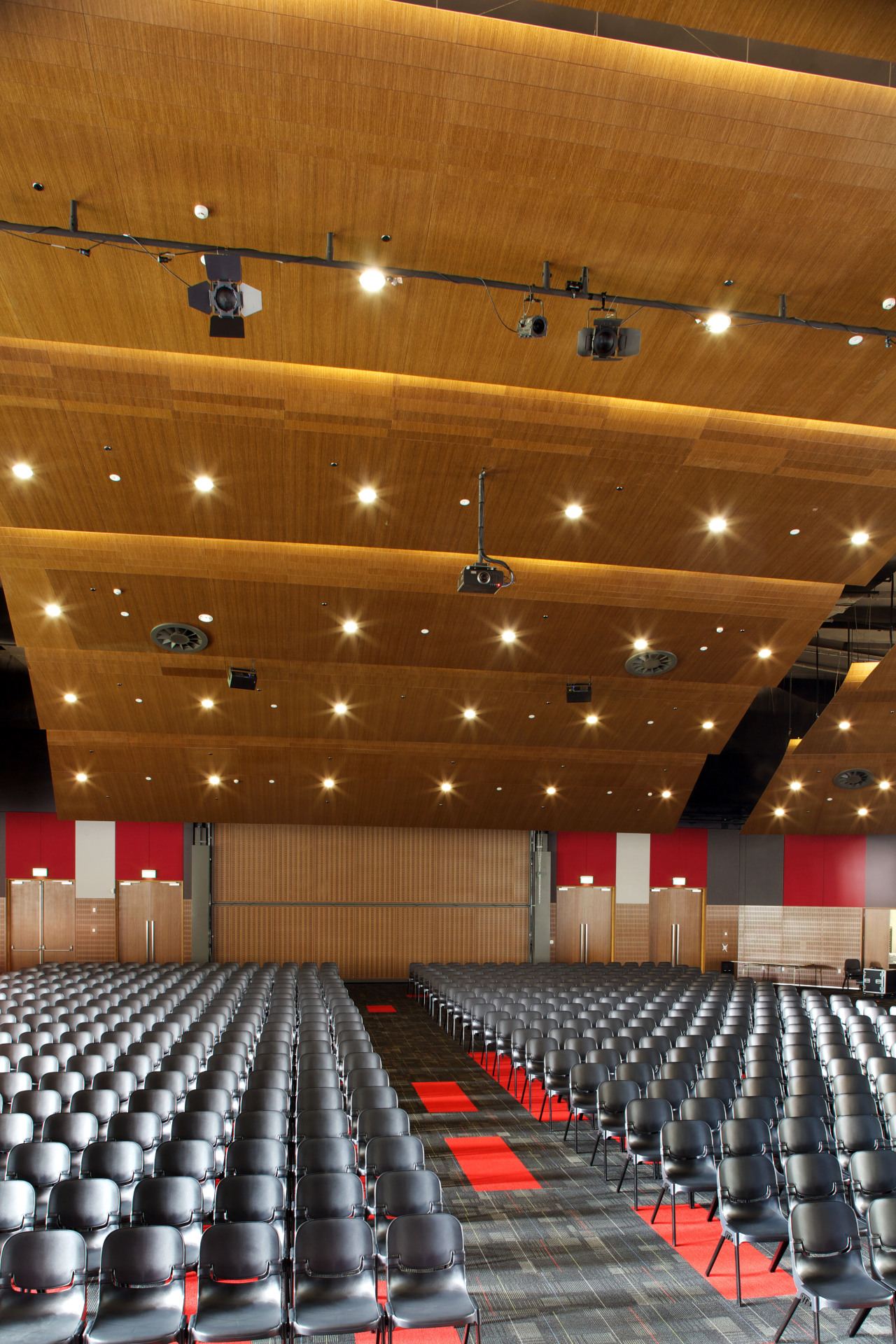 The new 1500-seat auditorium can accommodate all puplis auditorium, ceiling, conference hall, convention center, function hall, performing arts center, theatre, brown