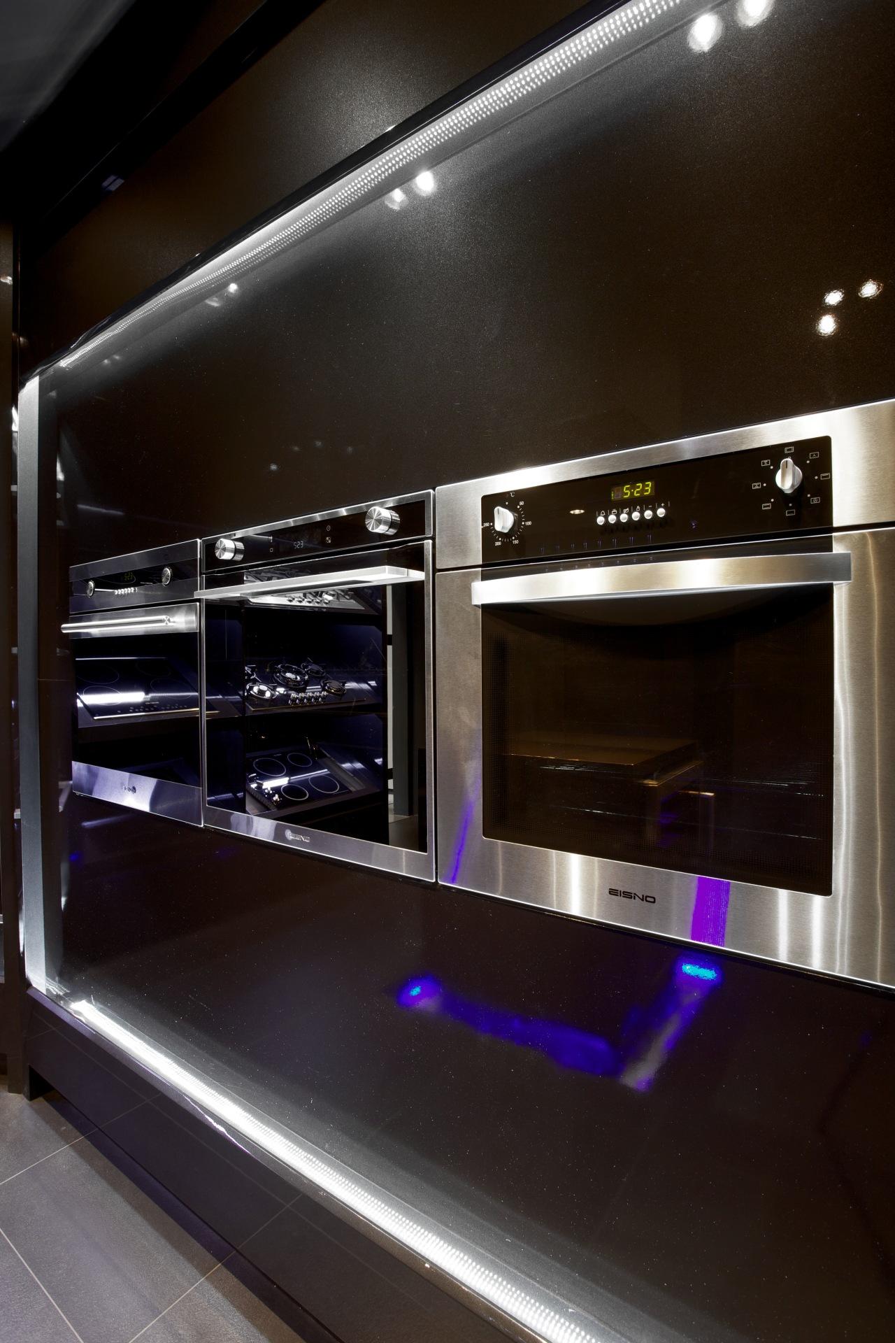 Italian designed appliances by Eisno Lifetech electronics, home appliance, kitchen appliance, technology, black