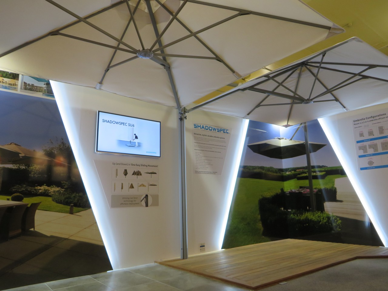 Advanced displays showcase the latest products at the ceiling, daylighting, gray