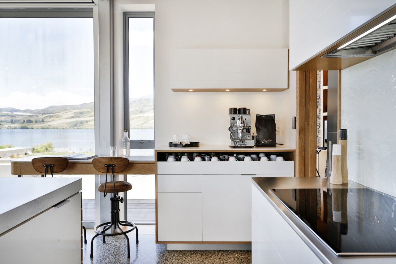 Cafe-style designer Melanie Craig created a dedicated coffee countertop, classique, , kitchen, white.kitchen design,  Melanie Craig, coffee nook, seating, kitchen