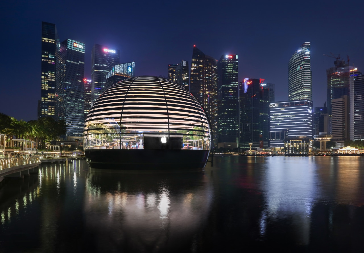 Apple Marina Bay Sands – an architectural glass