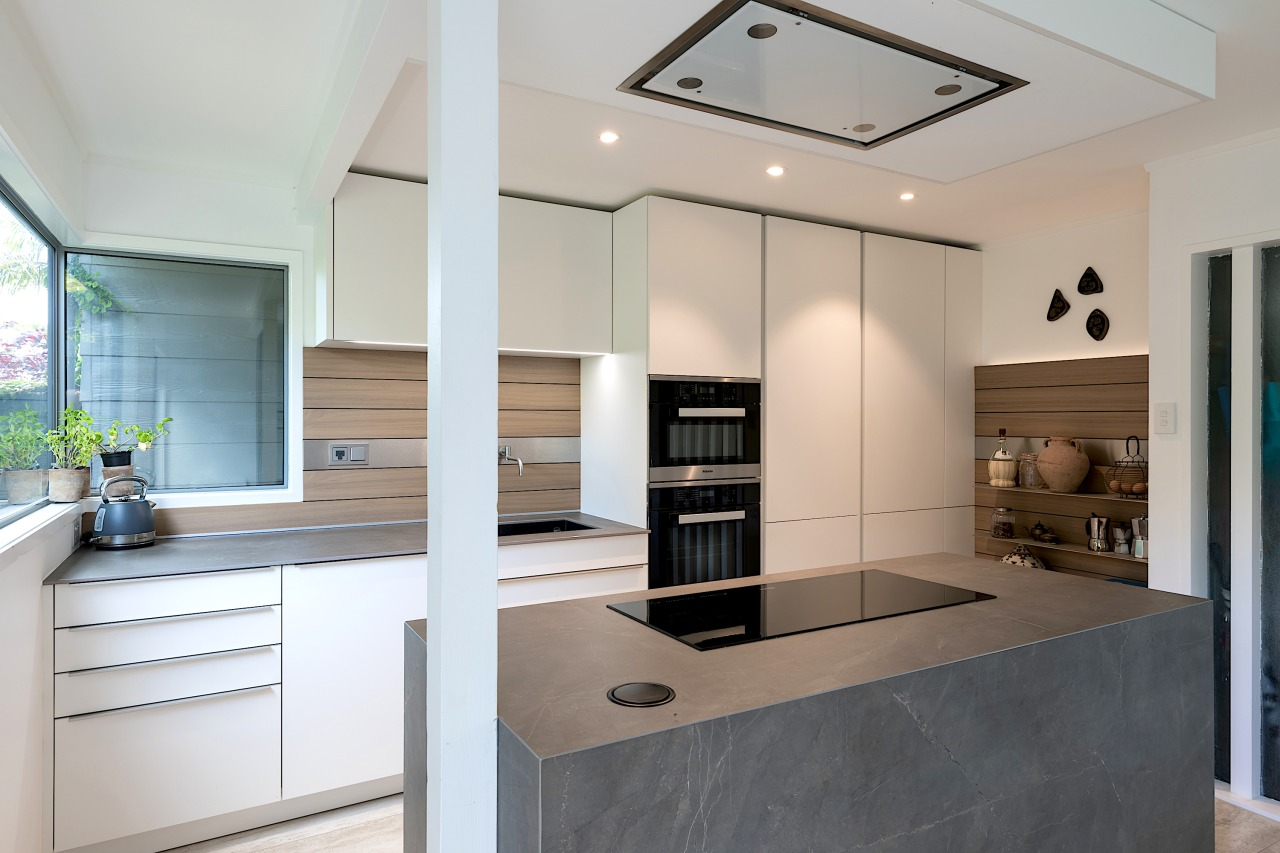 Kitchen by designer Lara Farmillo of Akzente. Photography architecture, building, cabinetry, ceiling, countertop, floor, furniture, glass, home, house, interior design, kitchen, lighting, property, real estate, room, gray